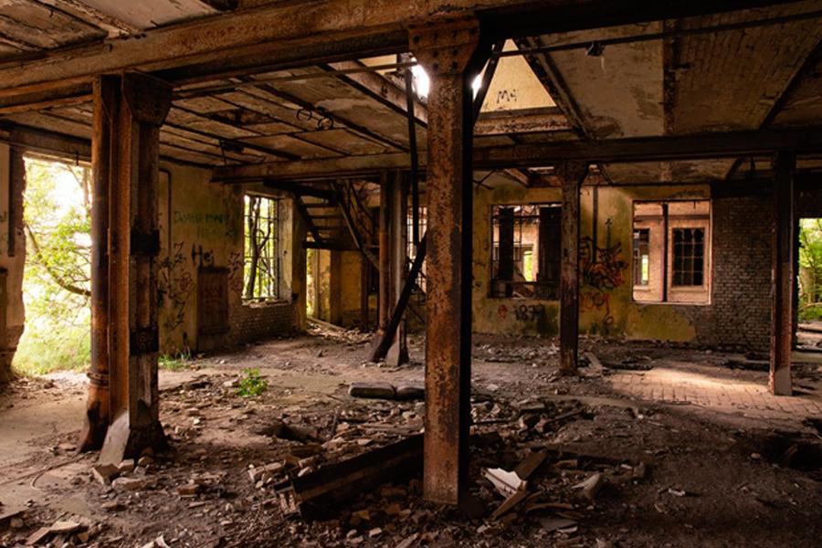 Практически разрушенная конструкция (фото)